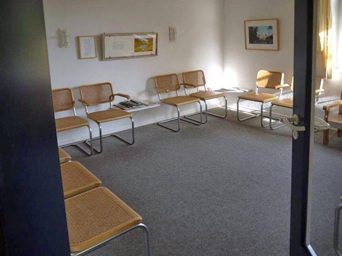 Wartezimmer Arzt Praxis Dr. Jockel in Bleckede
